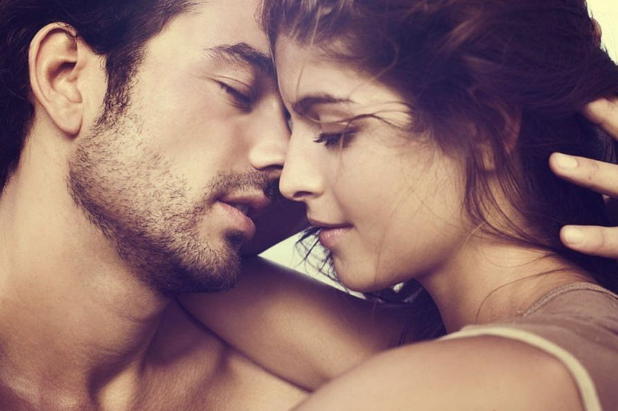 TOP of the hottest lovers according to zodiac sign