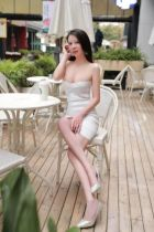 Cheap girl Julia offers full service at a low price, from USD 600/hr