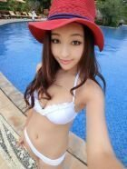 Visit Abu Dhabi incall escort Komal Pool Model for an hour or two (1 hour AED 1000)